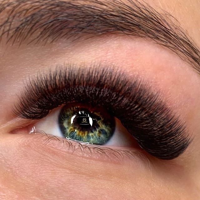 omg-brows-lashes-volume-eyelash extensions-2